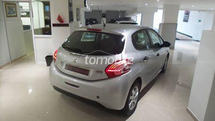 peugeot 208 diesel 2014 occasion 78342km tanger 33247. Black Bedroom Furniture Sets. Home Design Ideas