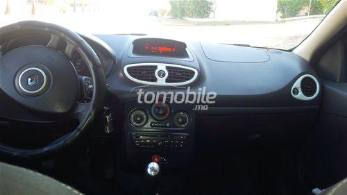 renault clio occasion 2012 essence 110000km casablanca 58980. Black Bedroom Furniture Sets. Home Design Ideas