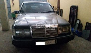 mercedes benz 250 diesel 1986 occasion 319000km rabat 62312. Black Bedroom Furniture Sets. Home Design Ideas